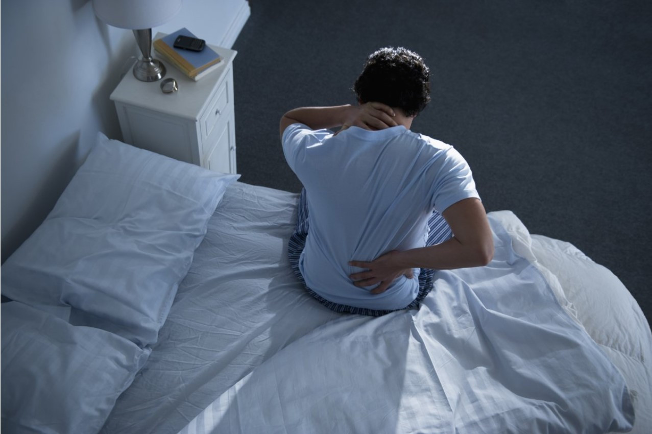 wake up with back pain