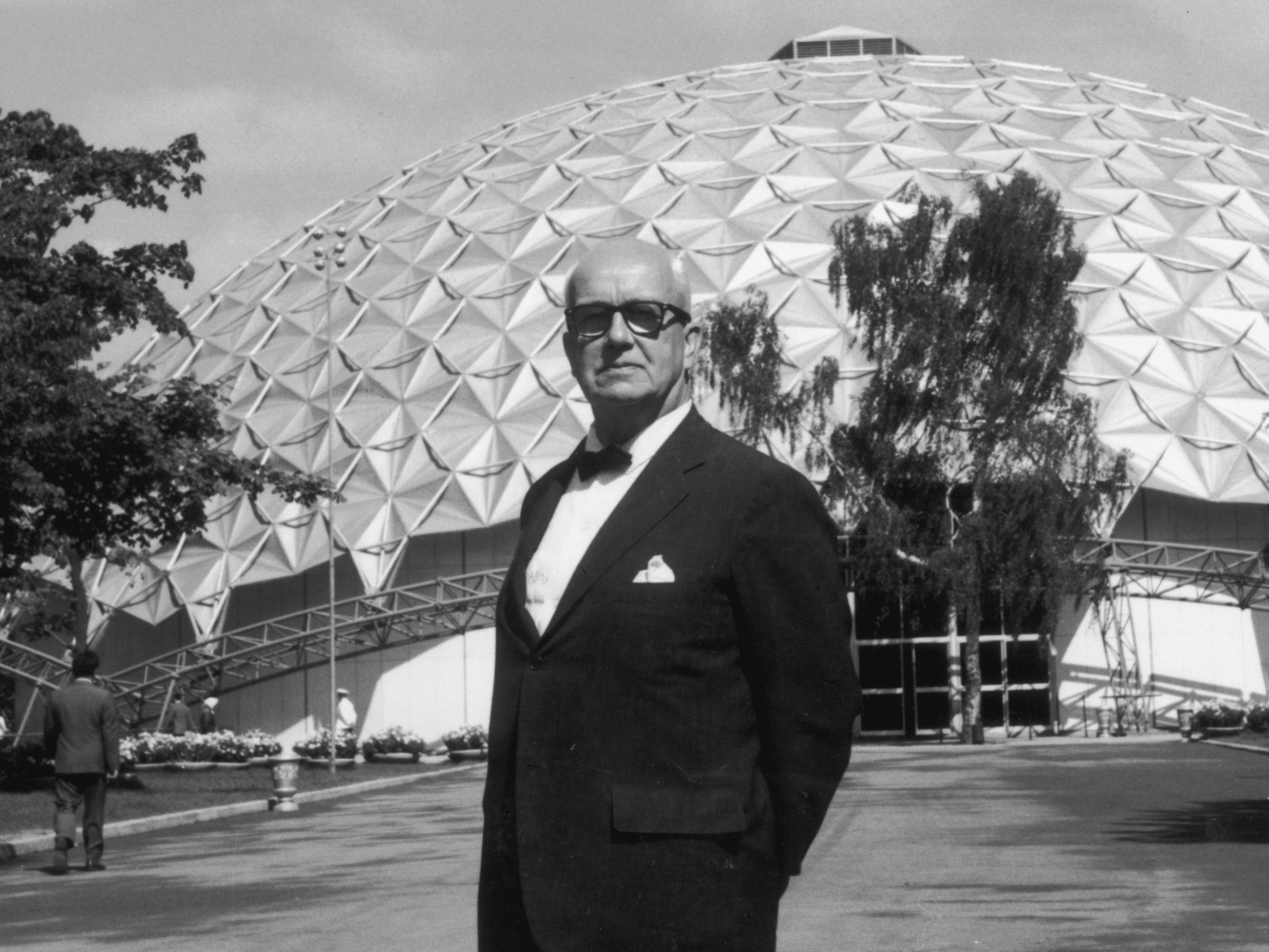 Richard Buckminster Fuller photo